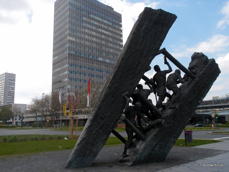 Sculpture by Max Kratz in Essen, Germany