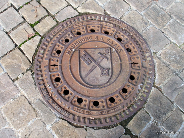 Manhole cover with the city arms of Naumburg (Saale)