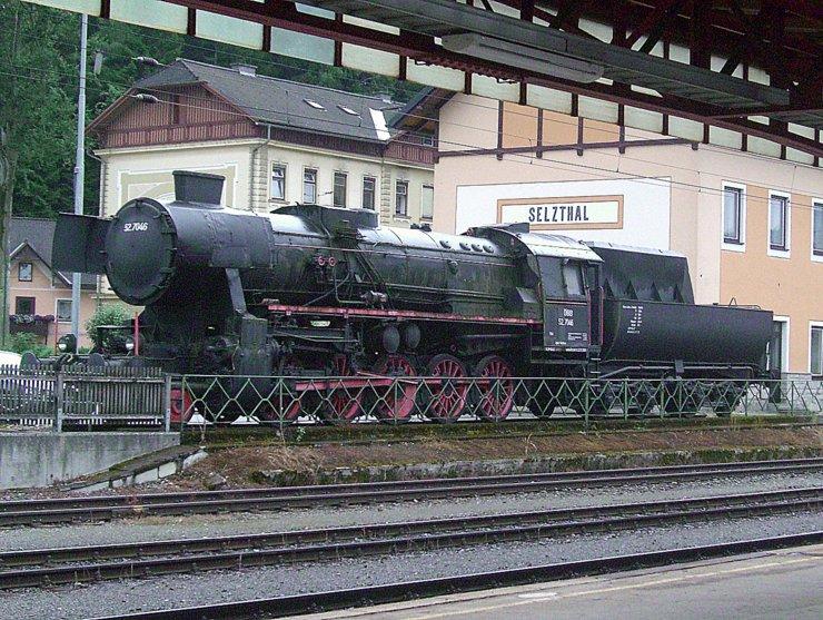Steam locomotive 52.7046 at railway station Selzthal