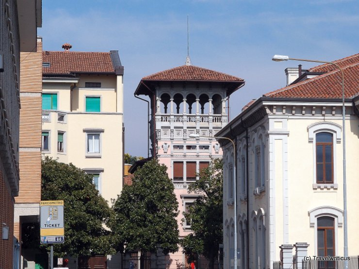 An altana seen in Udine, Italy