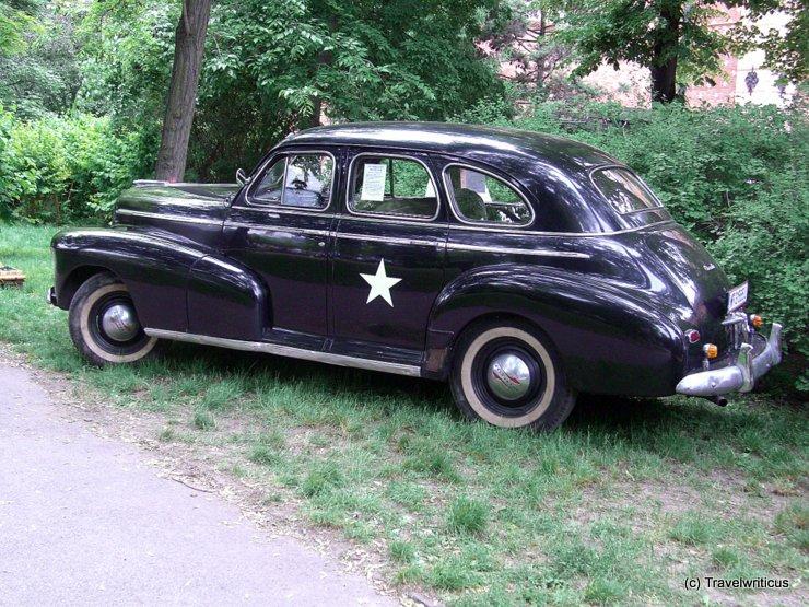 Chevrolet Fleetmaster 1946 near Heeresgeschichtliches Museum