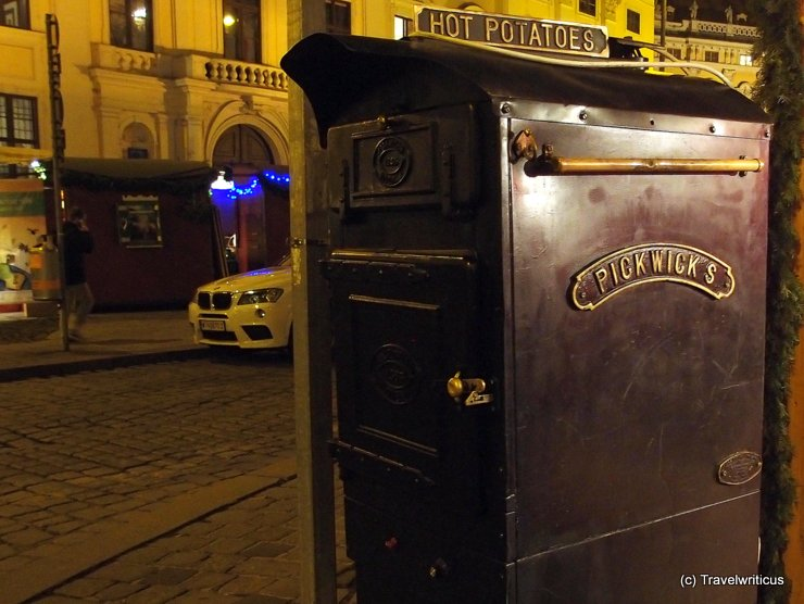 Oven by Pickwick's at Freyung, Vienna