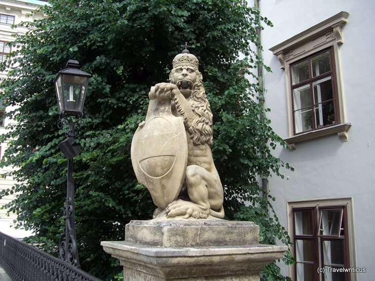 Cheeky lion at the Hofburg, Vienna
